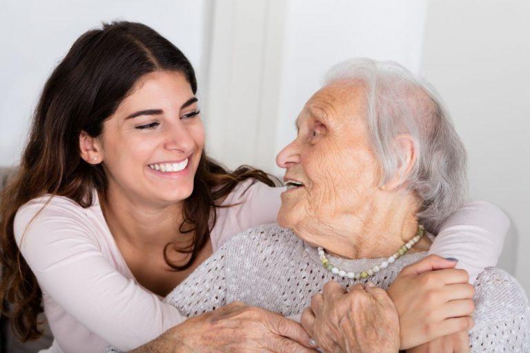 Gesellschaft und Betreuung und Pflege zu Hause